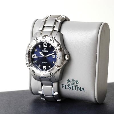 Festina F16170/4 montre ronde quartz